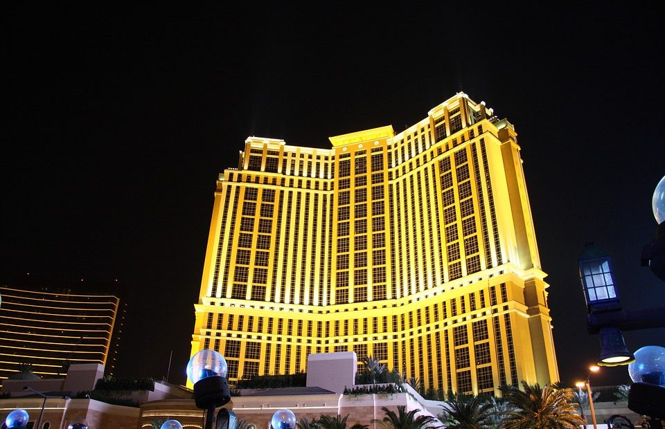 how to win big at casino slot machines